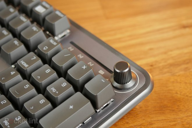 157232-gadgets-review-roccat-pyro-gaming-keyboard-review-an-affordable-mechanical-keyboard-with-appeal-image2-tlyicru8iz.jpg
