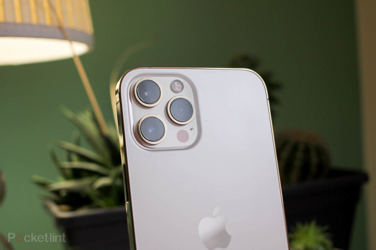 157466-phones-news-apple-iphone-13-pro-to-have-upgraded-ultra-wide-angle-lens-with-autofocus-image1-efu4bkuds7-1.jpg