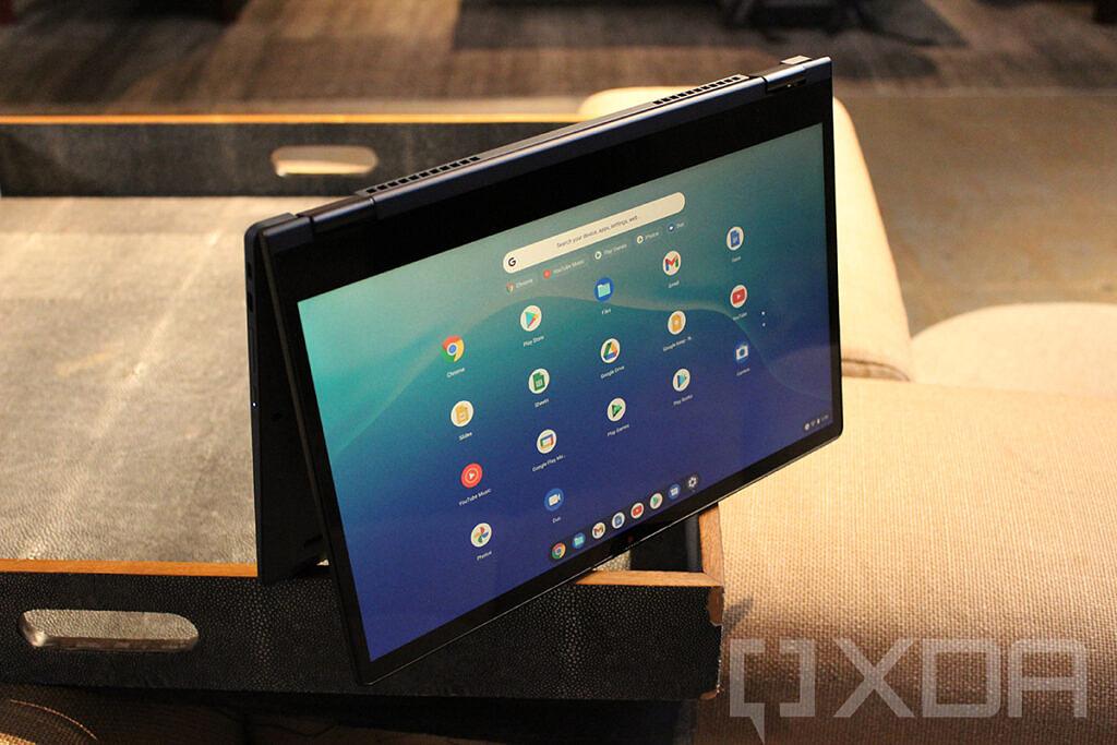 IdeaPad Flex 5i Chromebook on cloth table