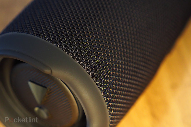 157610-speakers-review-jbl-charge-5-review-image6-yyt4oupww5.jpg