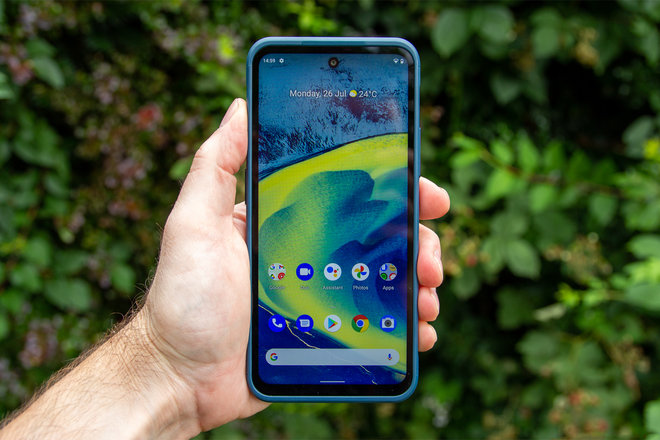 157813-phones-review-hands-on-nokia-xr20-review-image3-pupartonks.jpg
