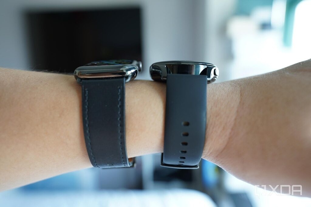Huawei Watch 3 with an Apple Watch 6.