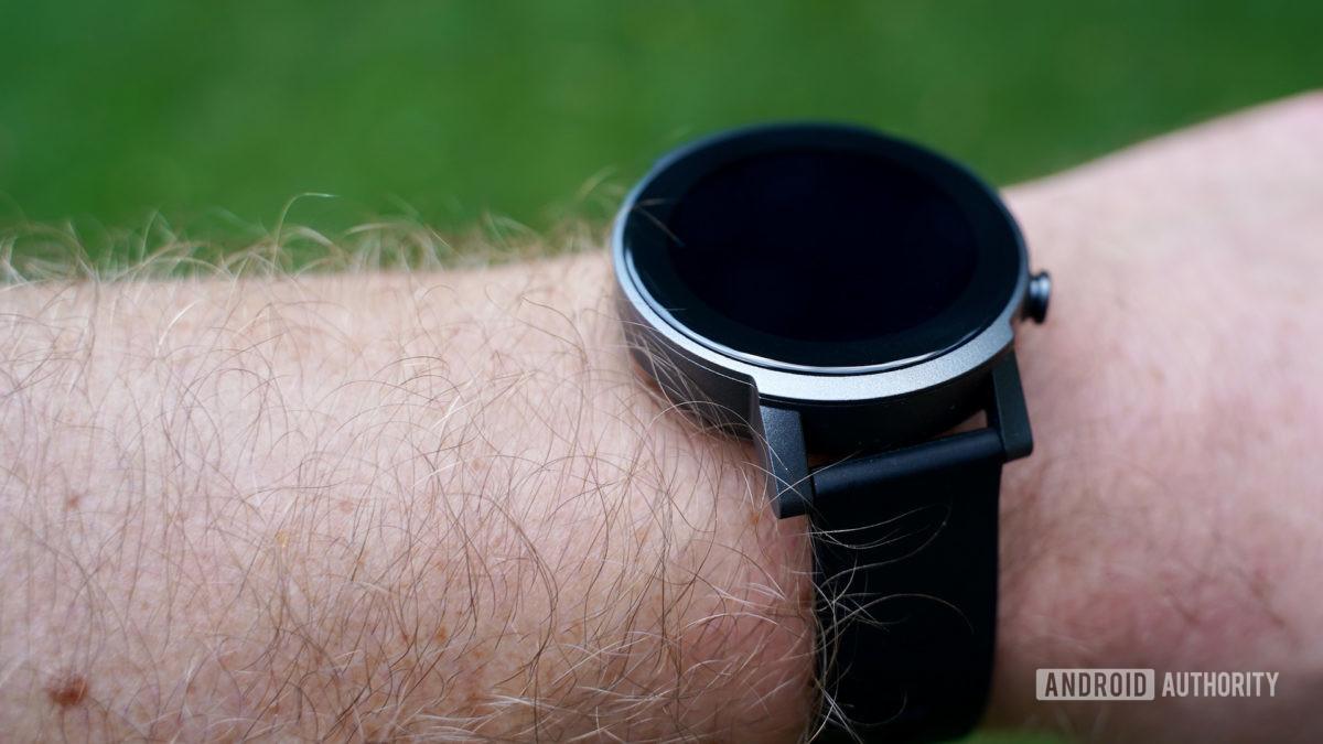 Mobvoi TicWatch E3 on wrist screen off