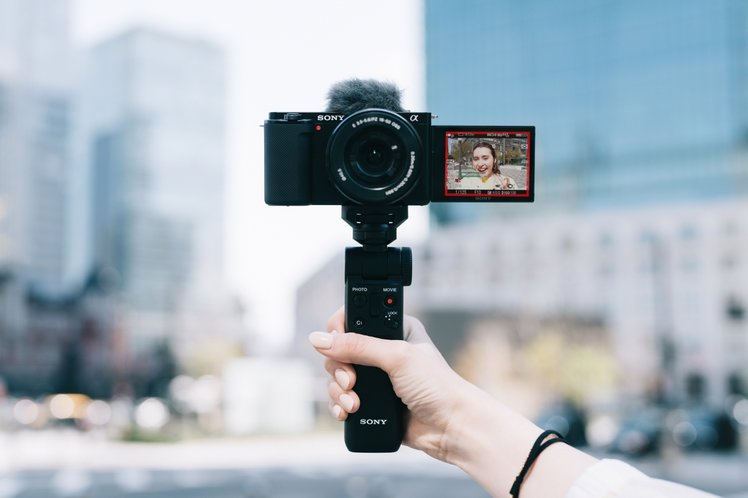 157820-cameras-news-sony-adds-interchangeable-lenses-and-aps-c-sensor-to-its-zv-vlogger-range-image1-qw482ggehm-1.jpg