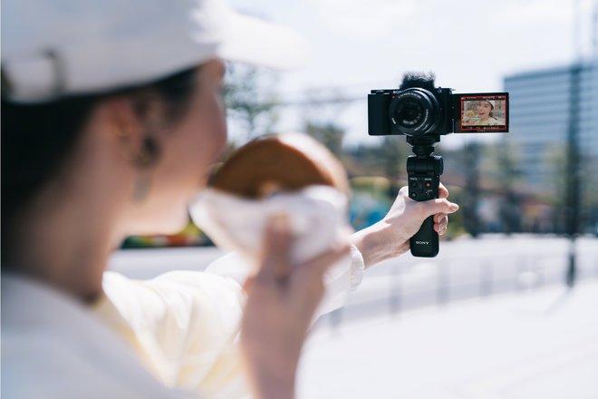 157820-cameras-news-sony-adds-interchangeable-lenses-and-aps-c-sensor-to-its-zv-vlogger-range-image3-uxj2eexwok.jpg