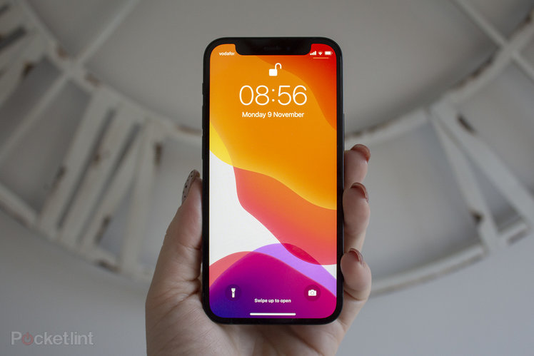 157871-phones-news-apple-could-be-working-on-in-screen-face-id-and-touch-id-but-the-notch-might-not-disappear-until-iphone-14-image1-s2bepiclch-1.jpg