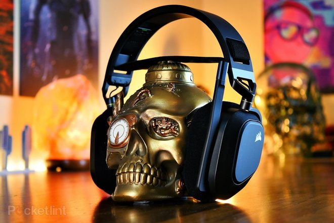 157935-headphones-review-corsair-hs80-rgb-wireless-gaming-headset-review-image1-oaiyuigz9x.jpg