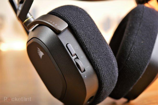 157935-headphones-review-corsair-hs80-rgb-wireless-gaming-headset-review-image8-vut6uospmy.jpg
