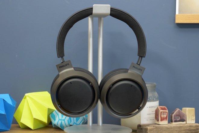 157936-headphones-news-five-reasons-why-we-love-the-philips-fidelio-l3-image1-y1iuw5qaqj.jpg
