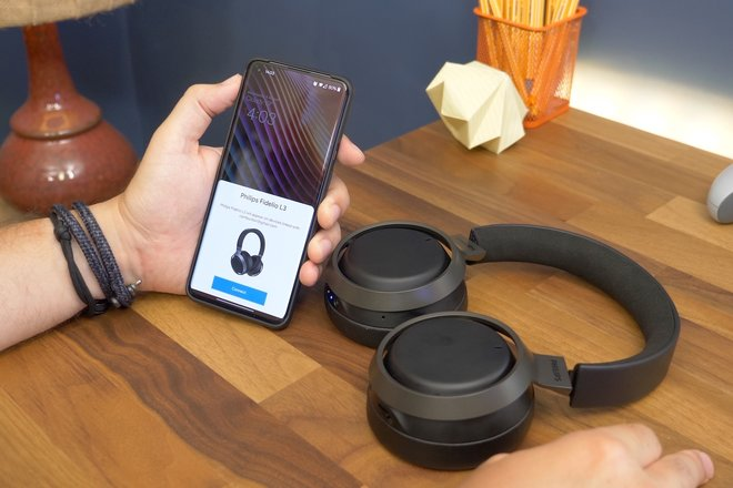 157936-headphones-news-five-reasons-why-we-love-the-philips-fidelio-l3-image3-l1hpictq4v.jpg