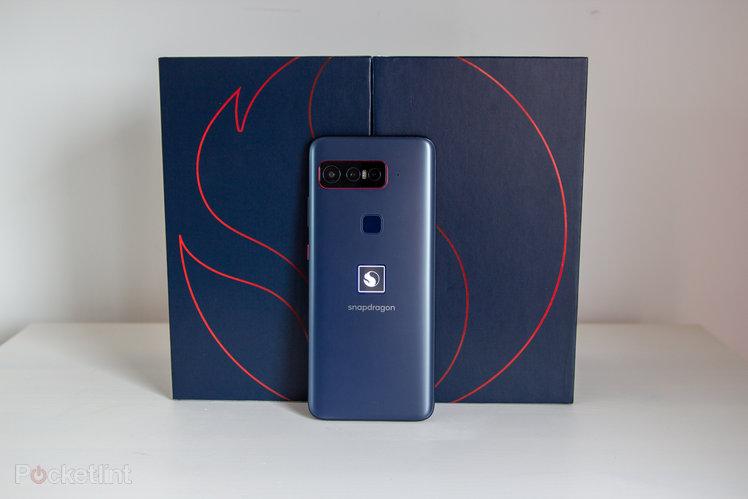 158039-phones-review-hands-on-smartphone-for-snapdragon-insiders-image1-wrtt0dyujp-2.jpg