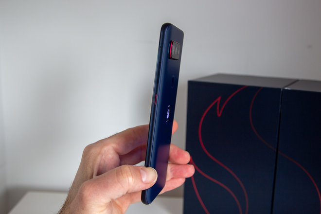158039-phones-review-hands-on-smartphone-for-snapdragon-insiders-image15-ymgtk0ziq9.jpg
