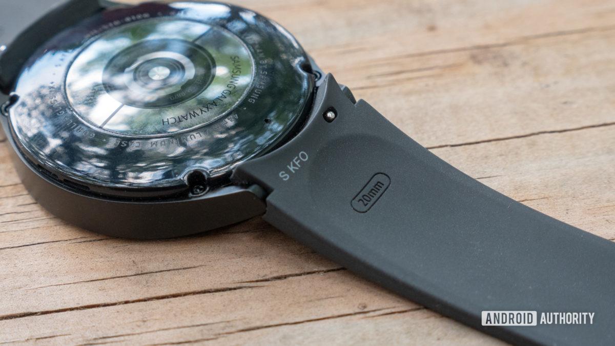 samsung galaxy watch 4 review 20mm strap