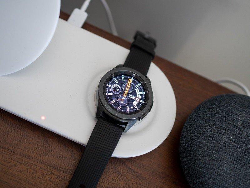 samsung-galaxy-watch-42mm-charger-face-2.jpg