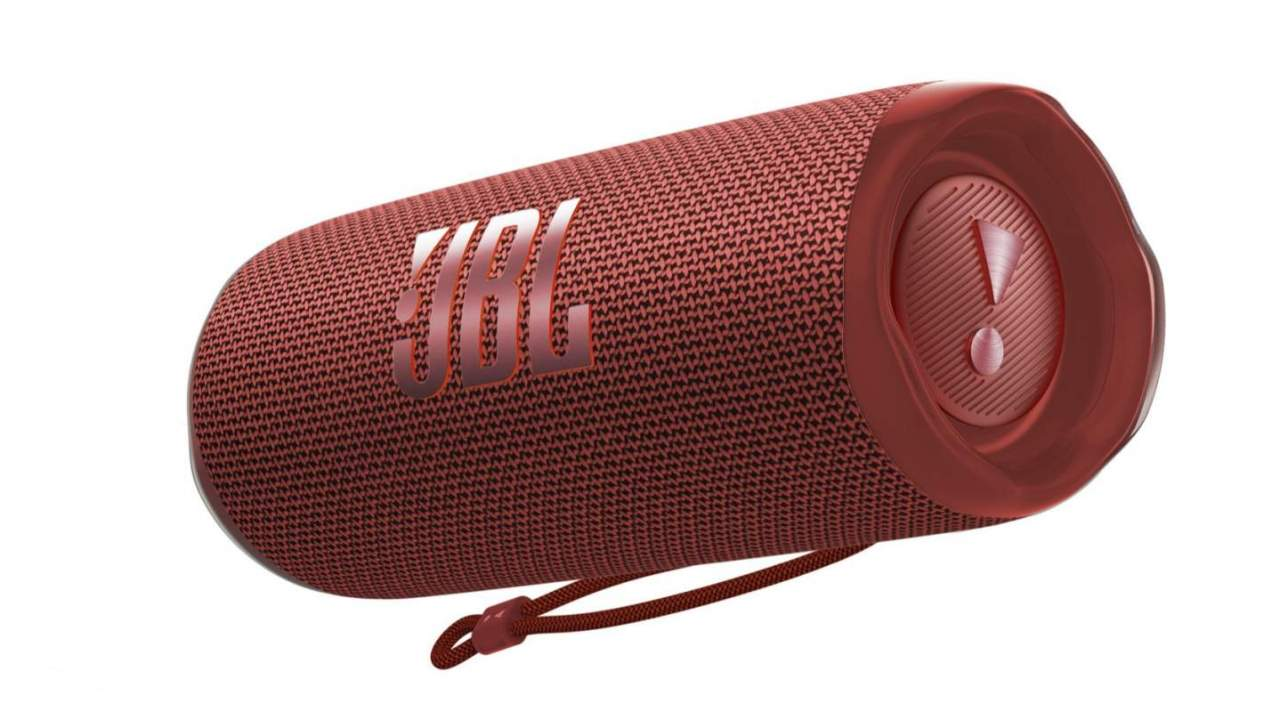 JBL Flip 6 gives Bluetooth speaker a sound and durability upgrade